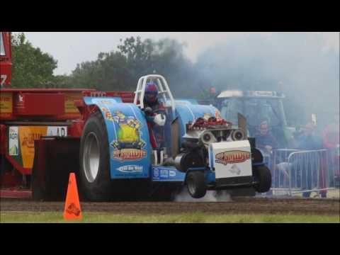 Sport: 't Smidje tractorpulling team uit Hoeven