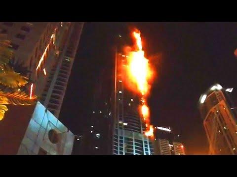 Vlammenzee Dubai in beeld