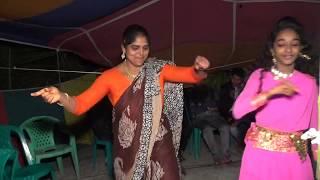মা মেয়ের নাচ বিয়ের বাড়ির মজার ড্যান্স দেখুন মাথা হট Bangla Dance Wedding Dance Dil Dil 2019