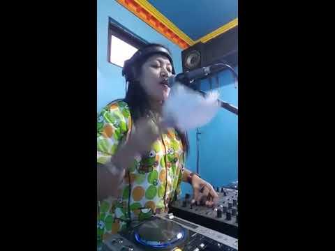 PARTY MEOK CREW 365 ASEK (STUDIO) LIVE SIARAN FB BY DJ IMAA CENCREMEN