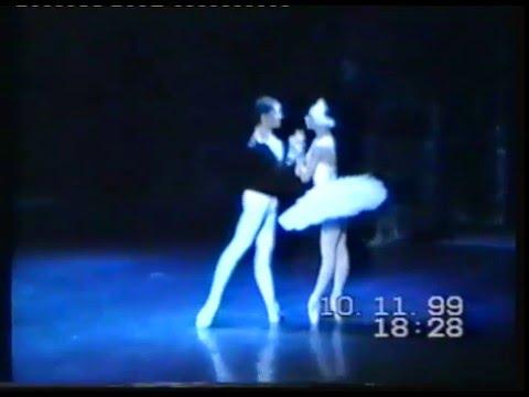 "Egle Spokaite and Aurimas Paulauskas ""Swan Lake"" Lithuanian Opera an Ballet Theatre"