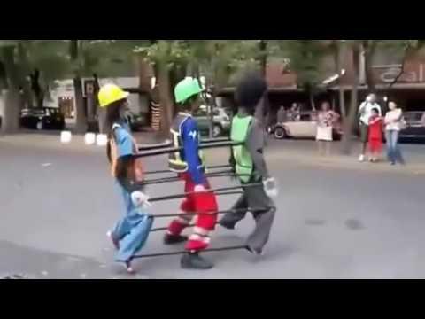 Kreati lagu rakuat mbok di buat kayak robot