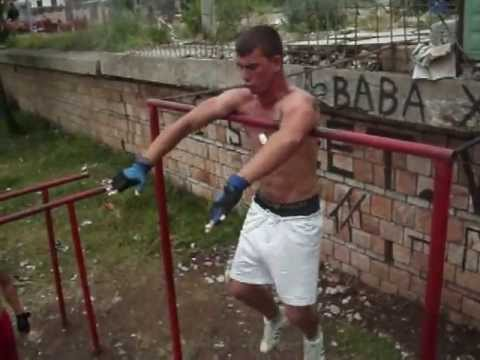 Albanian Street Workout (BARZ)