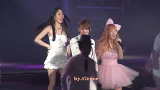 SNSD Concert- Jessica & Key (SHINee)- Barbie Girl @ Shanghai (100417)