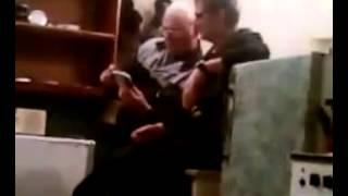 Два деда смотрят порно.