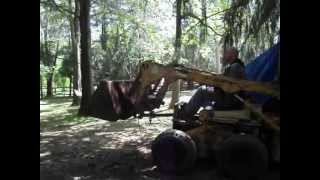 International 3200B skid loader skidsteer  steer bobcat vintage construction equipment