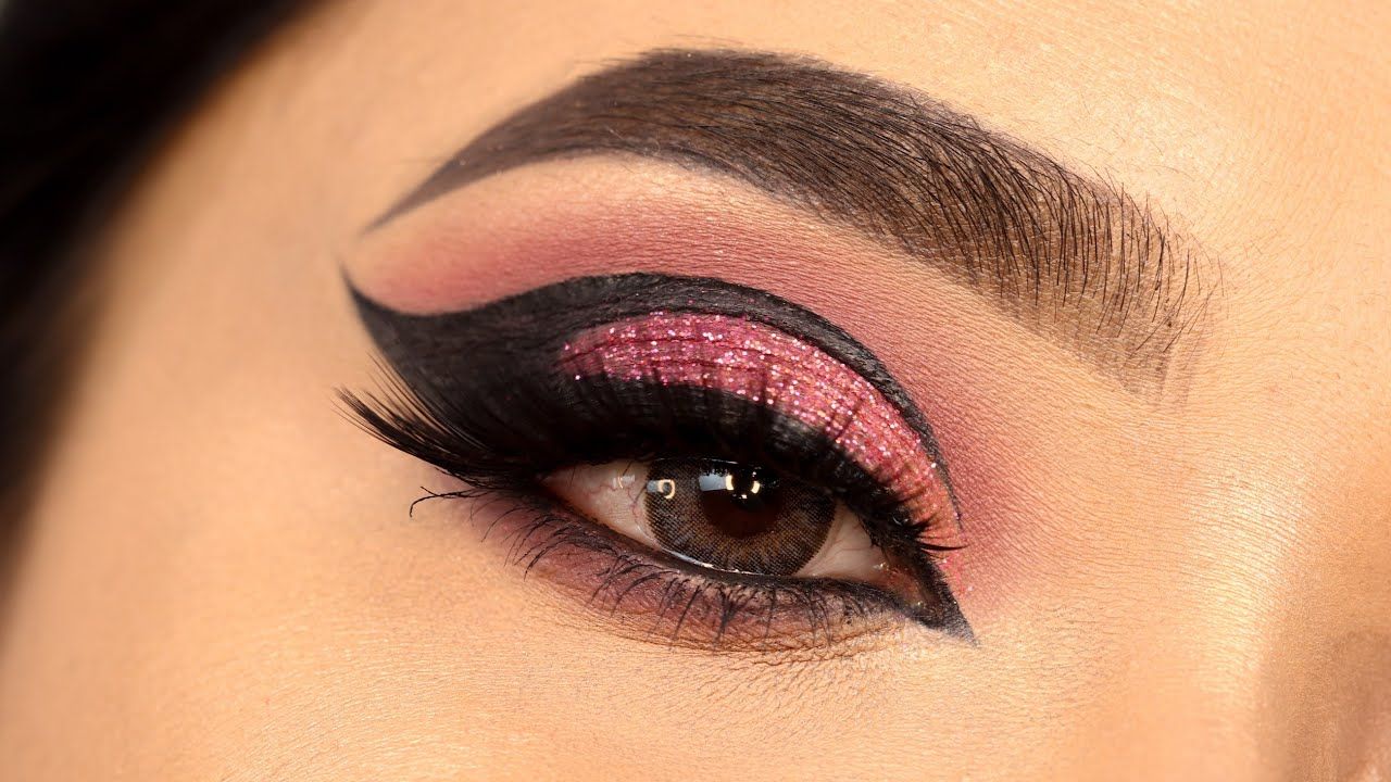 Graphic eyeliner with Glitter Eye Makeup Tutorial || Simple way to create graphic eyeliner || Shilpa