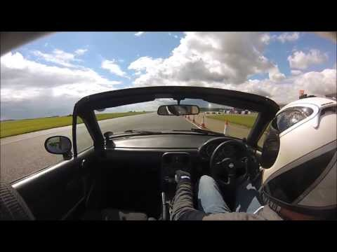 Bedford Autodrome trackday in a MK1 MX5 Session 4