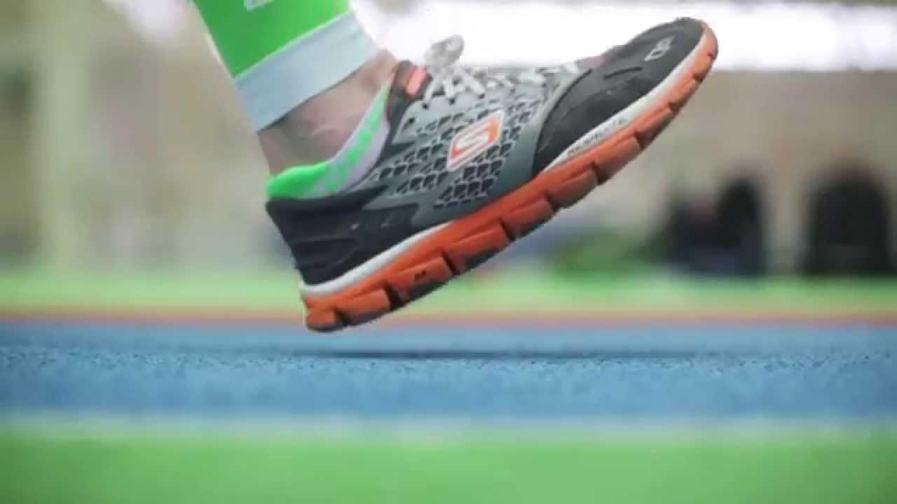 8 май 2015. Чтобы правильно выбрать обувь для здорового комфортного бега, нужно учесть несколько важных базовых параметров: техника бега, виды поверхностей, конструктивн.