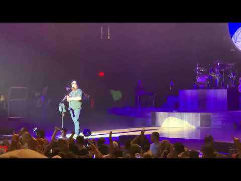 """Luke Combs """"Lovin' on you"""" first ever live performance!"""