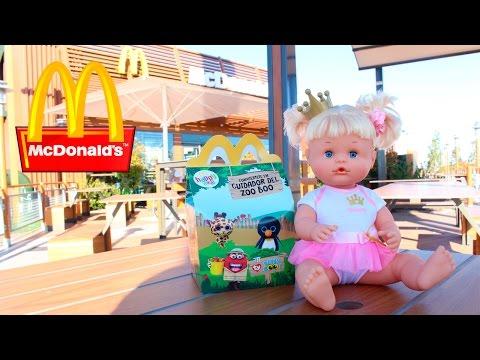 Aventuras de Bebés - La Bebé Nenuco Princesa Cuca va al Parque y Merienda en McDonalds