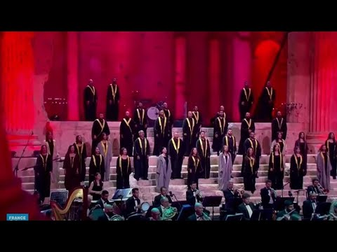 في تحد للوضع الاقتصادي والمعيشي.. لبنان يرفع -صوت الصمود- ضمن مهرجانات بعلبك  - 16:59-2020 / 7 / 6