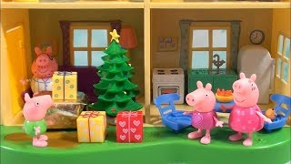 Peppa Pig: Peppa Pig Christmas Presents and Pajamas Toy Set, Peppa Pig Happy Family and Friends