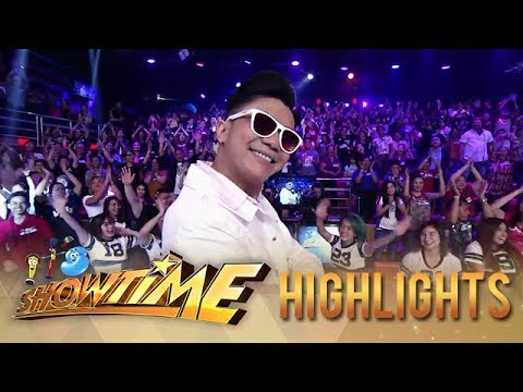 Vhong Navarro will make you groove with his performance of his hits!   It's Showtime