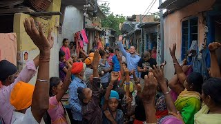 Sikh slum villagers pray to follow Jesus Christ
