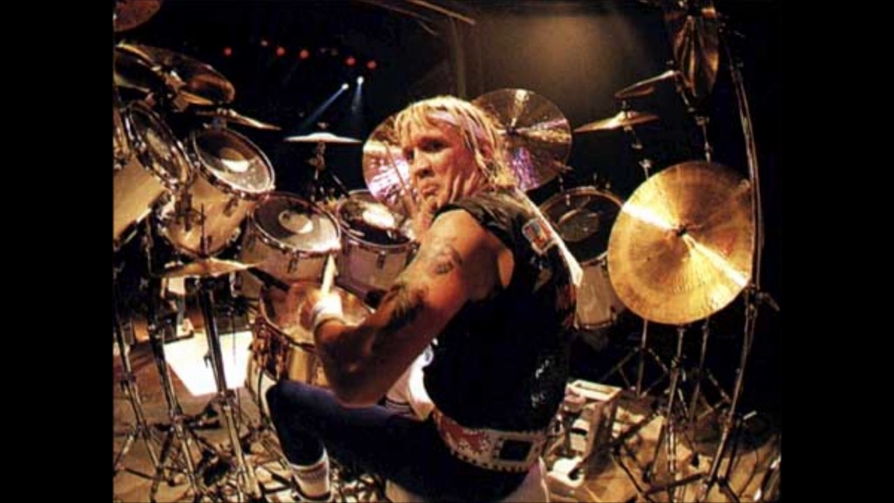 iron maiden 2 minutes to midnight original drummer