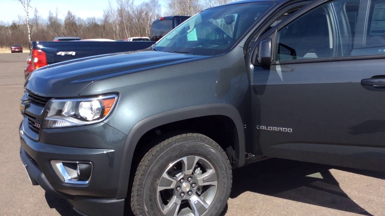 2017 Chevrolet Colorado Crew Cab Cyber Gray Metallic Z71
