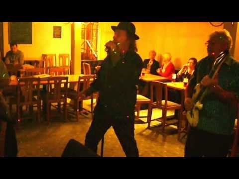 Curly Cols Karaoke Music Show - Presents - John O - Poetry In Motion.MOV