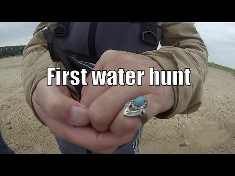 Hunting Coins in het water met de Tesoro Tiger Shark eerste vondst RING