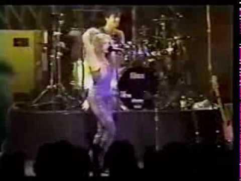 Shakira - No Creo (Live Tour Anfibio 2000)