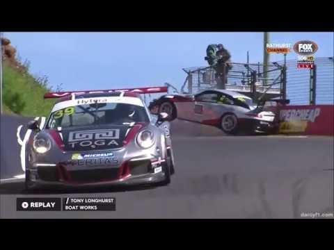 Porsche Carrera Cup Australia 2016. Qualifying Mount Panorama Circuit. Tony Longhurst Hard Crash