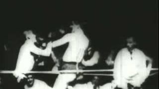 Boxing match in 1894 Corbett vs Courtney on Kinetograph
