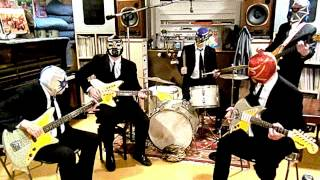 "Los Straitjackets - ""Space Mosquito"""