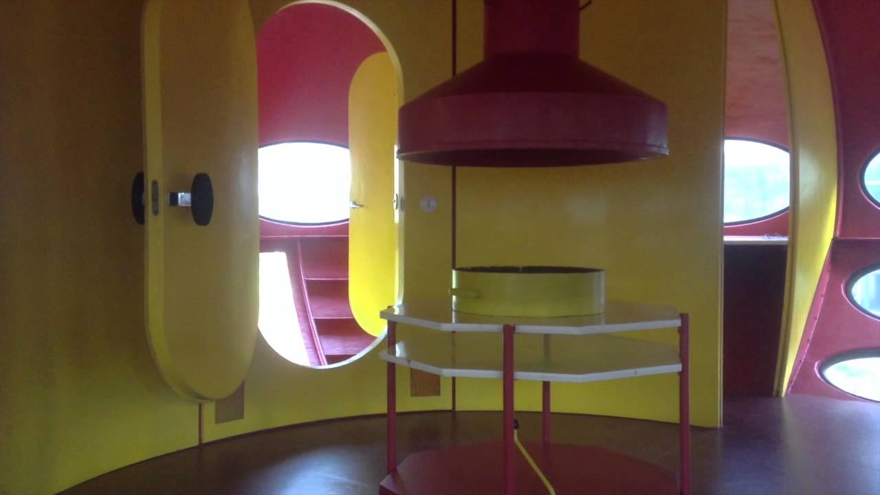 research trip to futuro house 001 at weegee espoo finland youtube. Black Bedroom Furniture Sets. Home Design Ideas