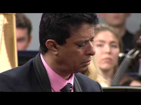 أحمد فتحى - مؤلف ساكورا من حفل موسكو مسرح تشايكوفيسكي