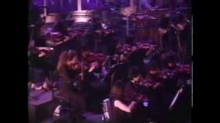 #nowwatching Classic Whitney Houston LIVE - Dionne Warwick Medley