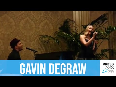 Gavin DeGraw and Colbie Caillat perform new song