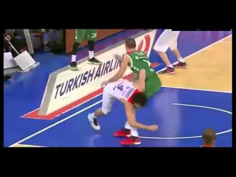 Teodosic's explosion at the end of Laboral Kutxa - CSKA Moscow