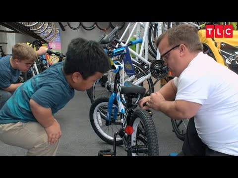 Watch The Johnstons Go Bicycle Shopping | 7 Little Johnstons