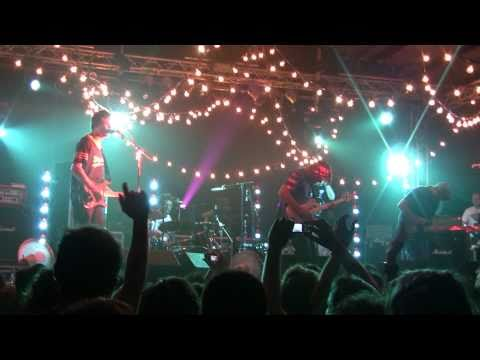 Pavement - Gold Soundz - LIve - Bologna 25-5-10 - (HD) - (1/20)