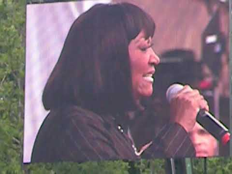 Patti LaBelle (LIVE) - 'Somebody Loves You', 'The Right Kinda Lover' @ Capital Jazz Fest 2011.