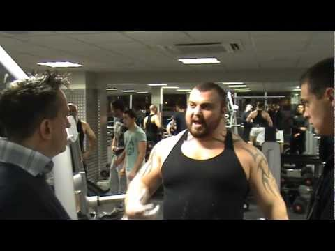 UK's Strongest Man Eddie Hall explaining how to use booost oxygen