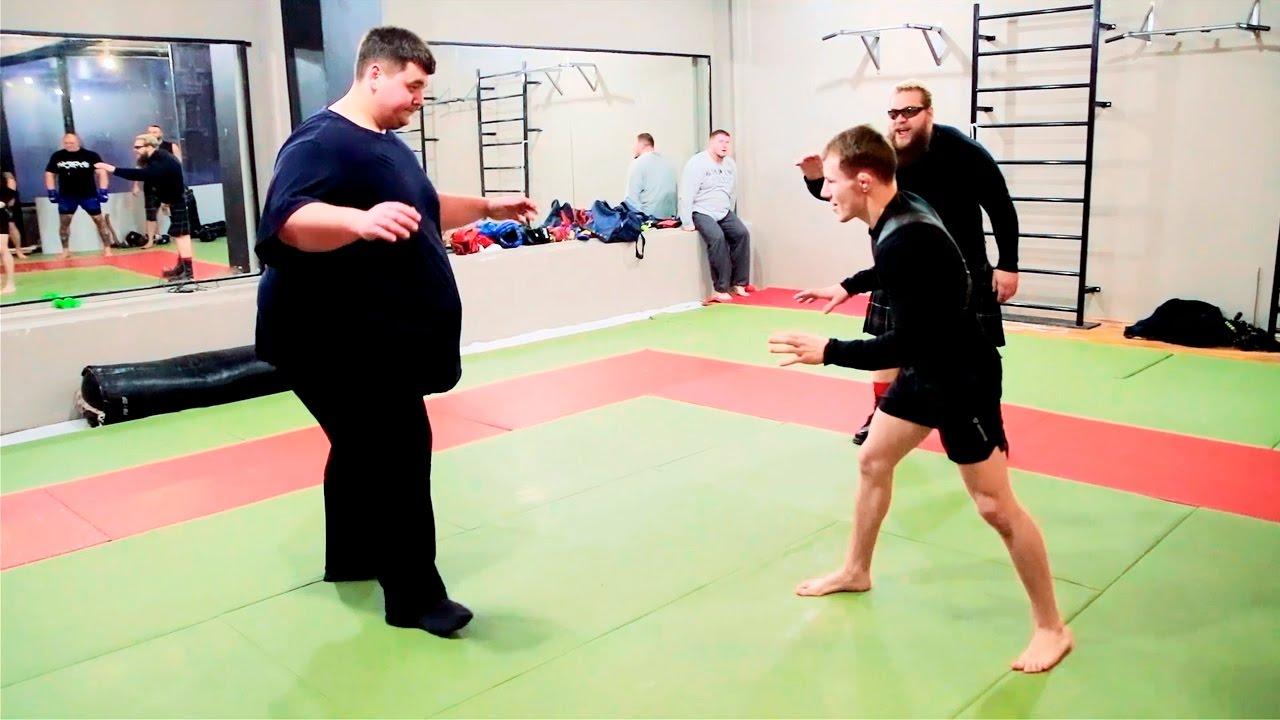 243 kg VS 57 kg / Когда масса зарешала / Fatboy vs little fighter