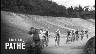 Brooklands Cyclists (1937)