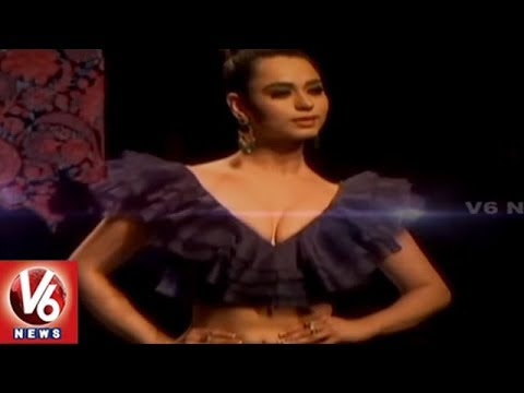 Models Ramp Walk At Lotus India Fashion Week 2019 | Delhi | V6 News