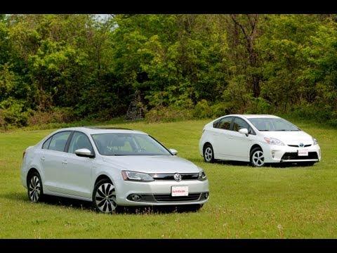 2013 Toyota Prius Comparison vs 2013 Volkswagen Jetta Hybrid