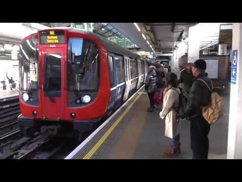 Journey on District line from Earl's Court to Richmond