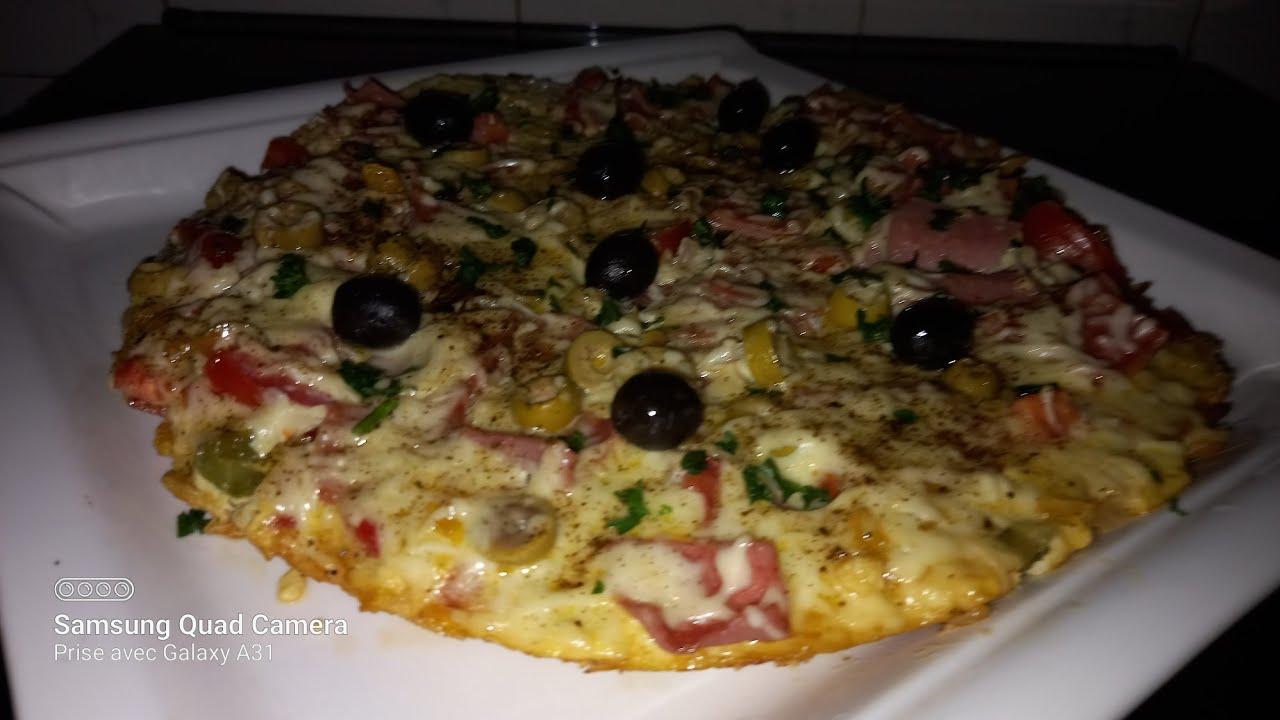 omelette pizza au jambon délicieux 😋😋😋