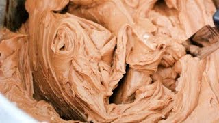 CHOCOLATE BUTTERCREAM FROSTING  quick chocolate frosting
