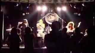 パナマ!?で活動中の「エアバンド」!! 札幌ベッシーホールにて「ライ...