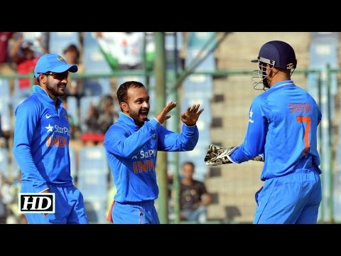 IND Vs NZ 2nd ODI: Dhoni's SURPRISING COMMENT On Amit Mishra's Bowling