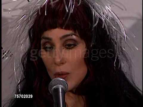 Cher at the 26th Annual American Music Awards - Press-room