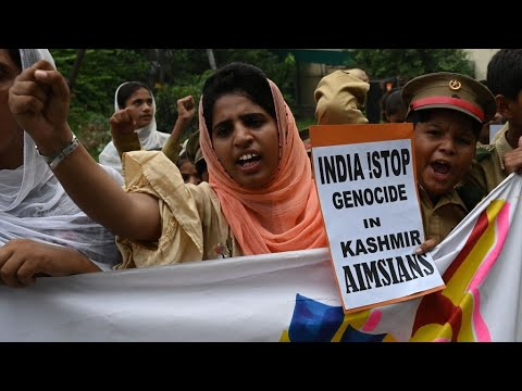 #KashmirHour: Pakistani PM leads nationwide anti-India protest over Kashmir