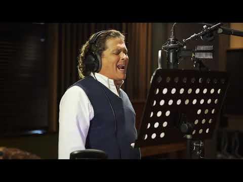 Смотреть клип Carlos Vives & Novalima - Me He De Guardar