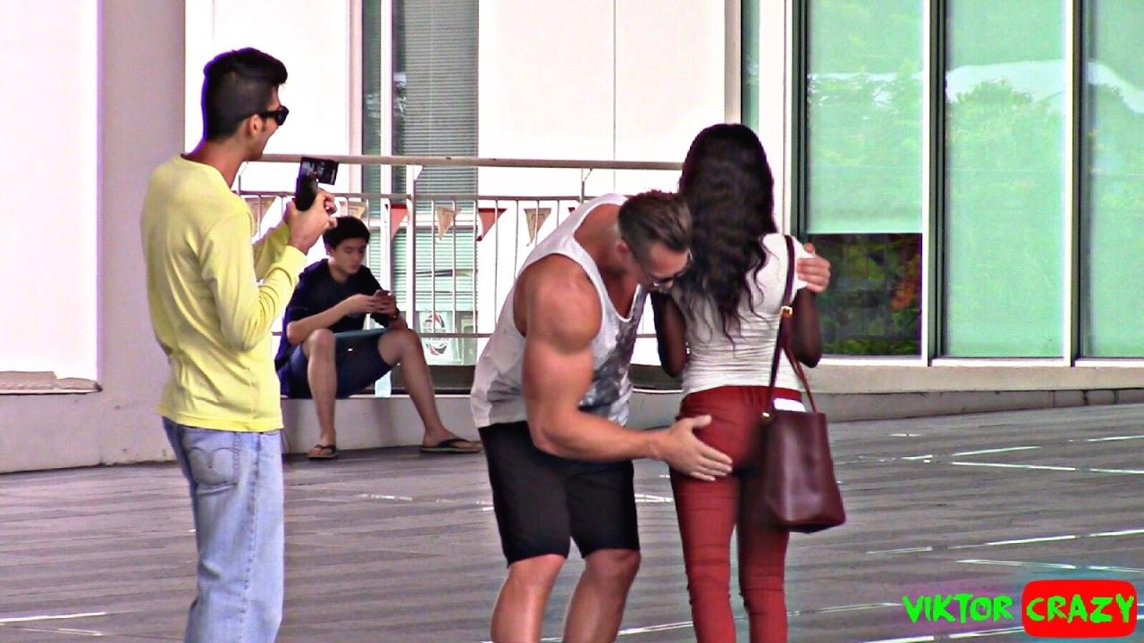Hot Girls Reaction On Bodybuilder