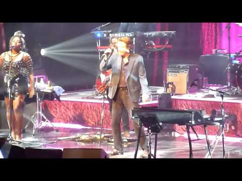 """Bryan Ferry """"More Than This"""" Kursaal Oostende 09/10/2016"""